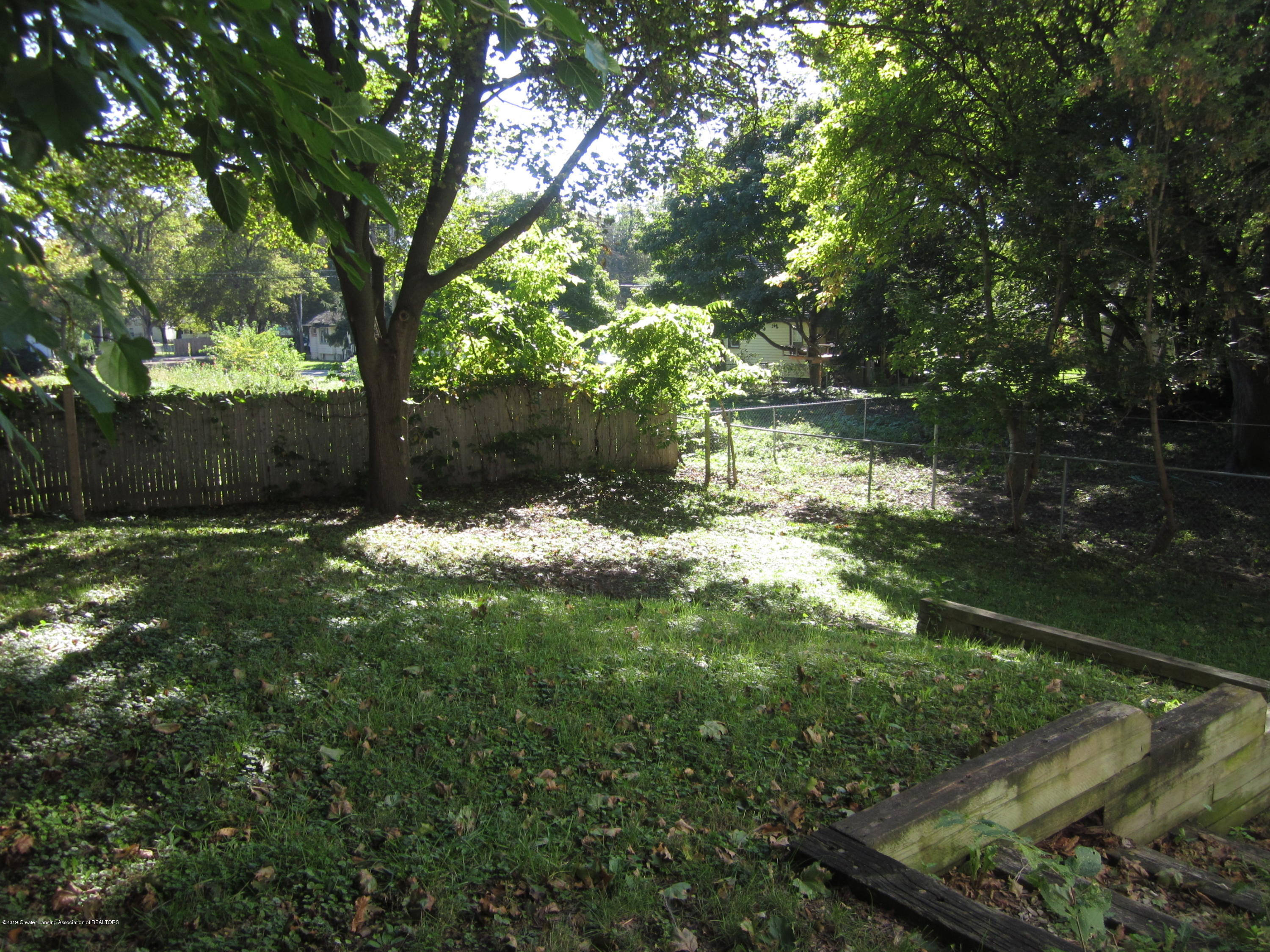 535 S Magnolia Ave - Backyard - 15