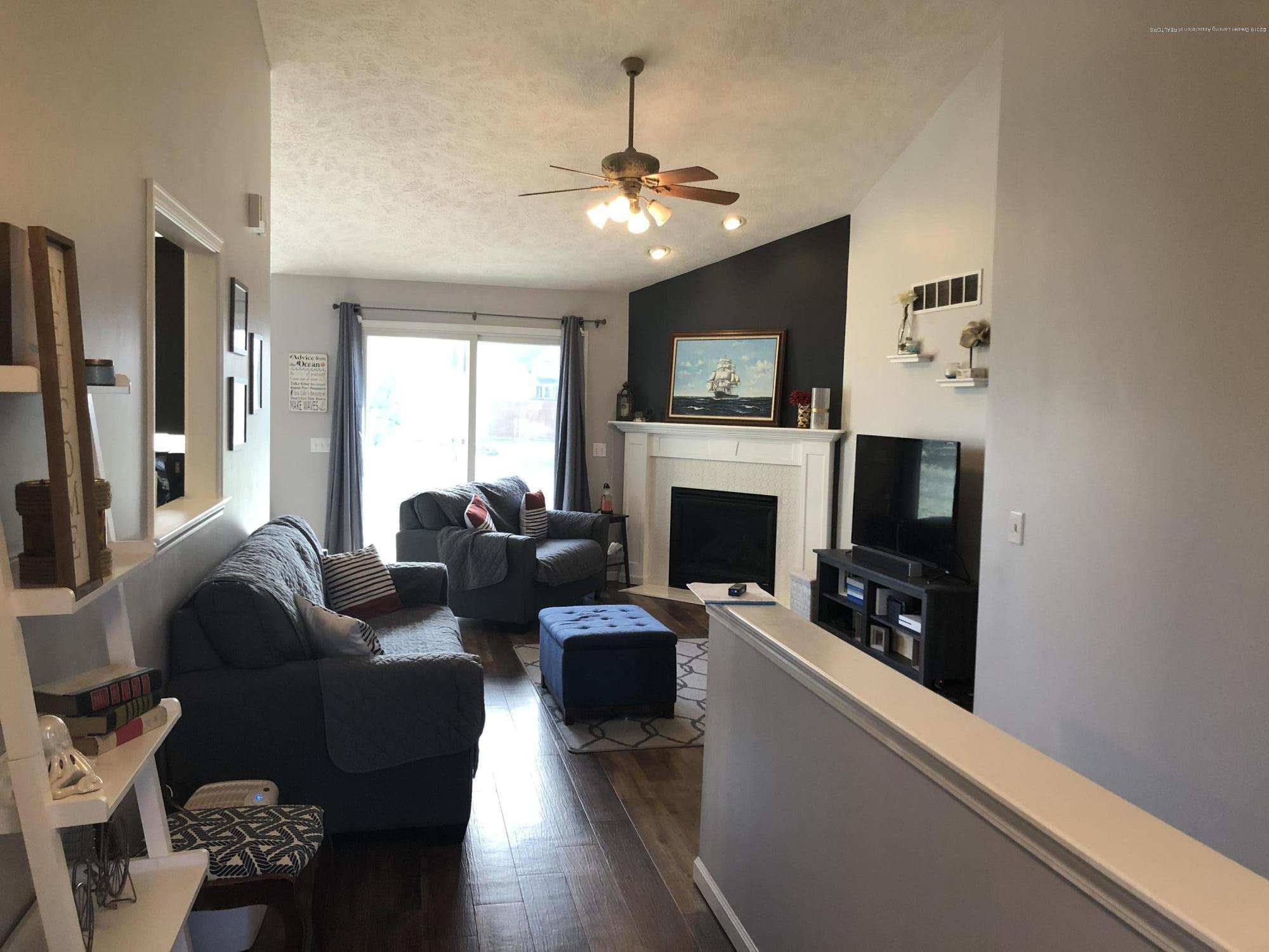 3843 Rudyard Way - Living room - 8