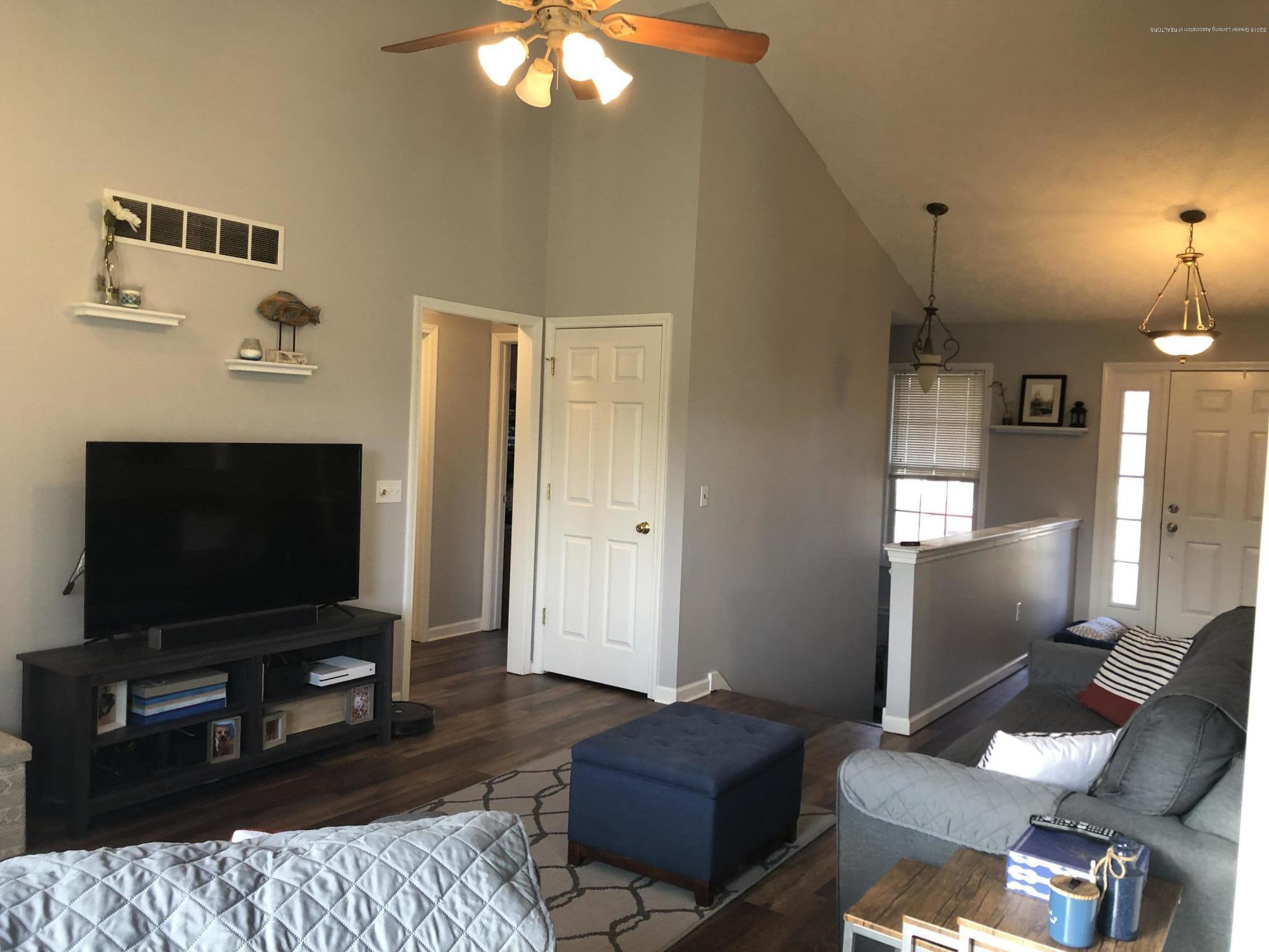 3843 Rudyard Way - Living Room - 9