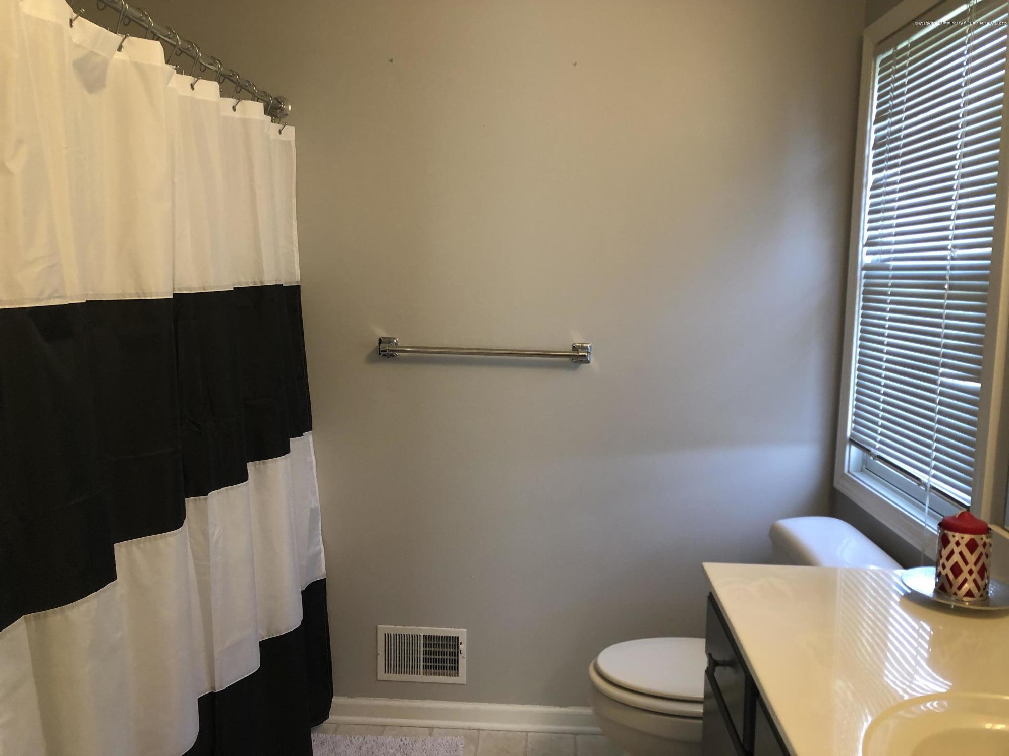 3843 Rudyard Way - Bathroom - 13