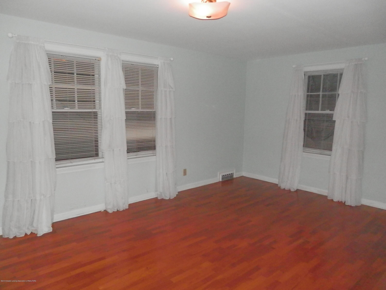 352 Collingwood Dr - Main bedroom - 12