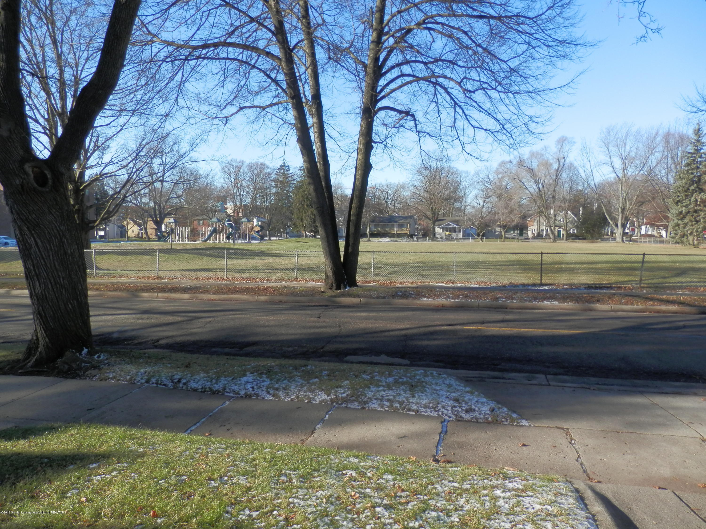 352 Collingwood Dr - Bailey Center park across the street - 23