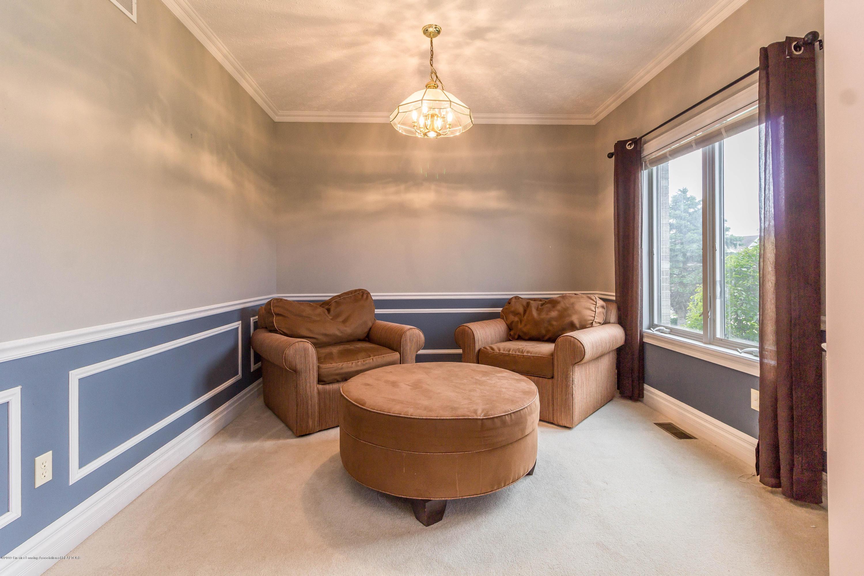 1571 Royal Crescent - Sitting Area - 9