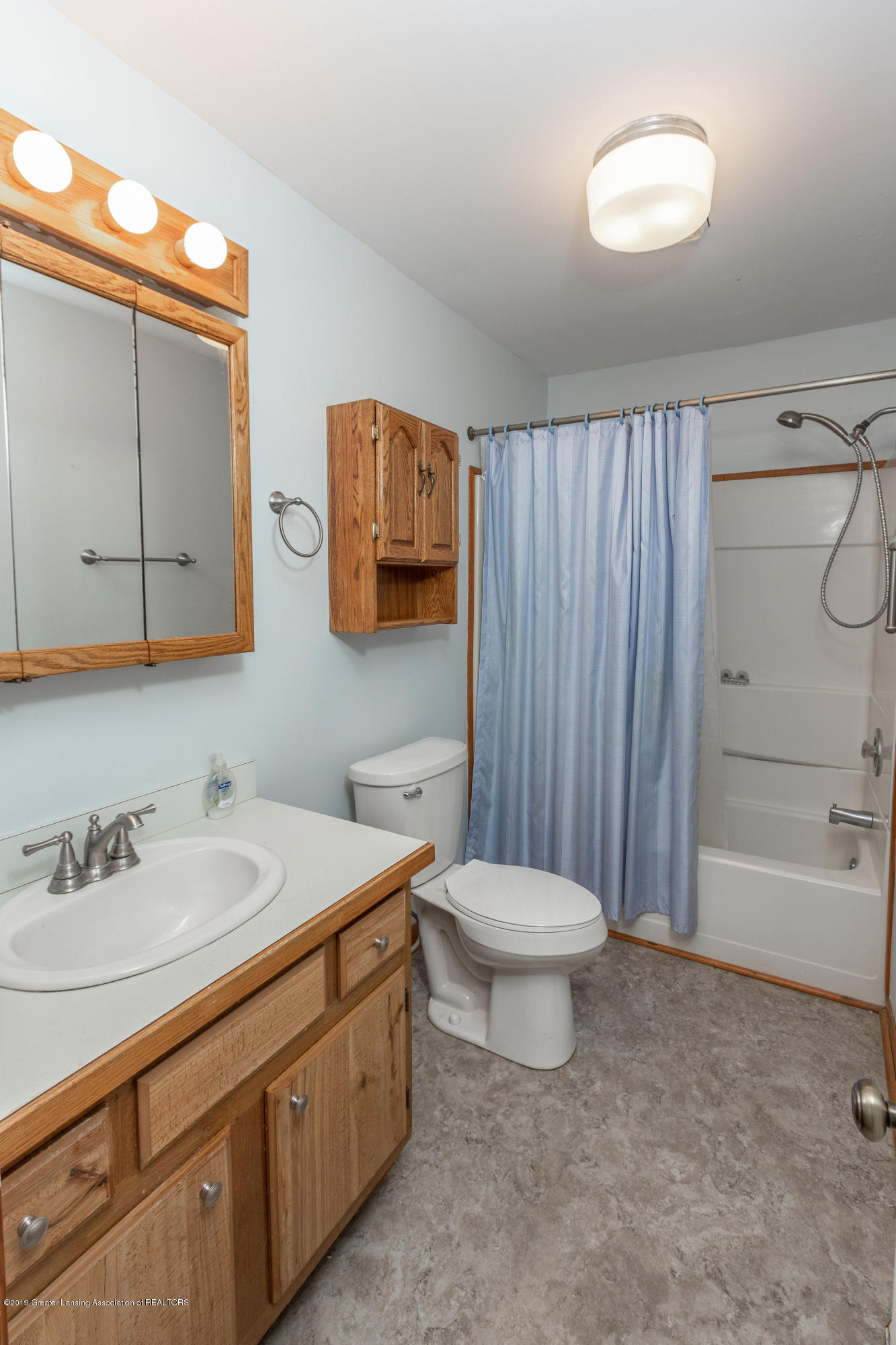 4411 Keller Rd - Full Bath - 19
