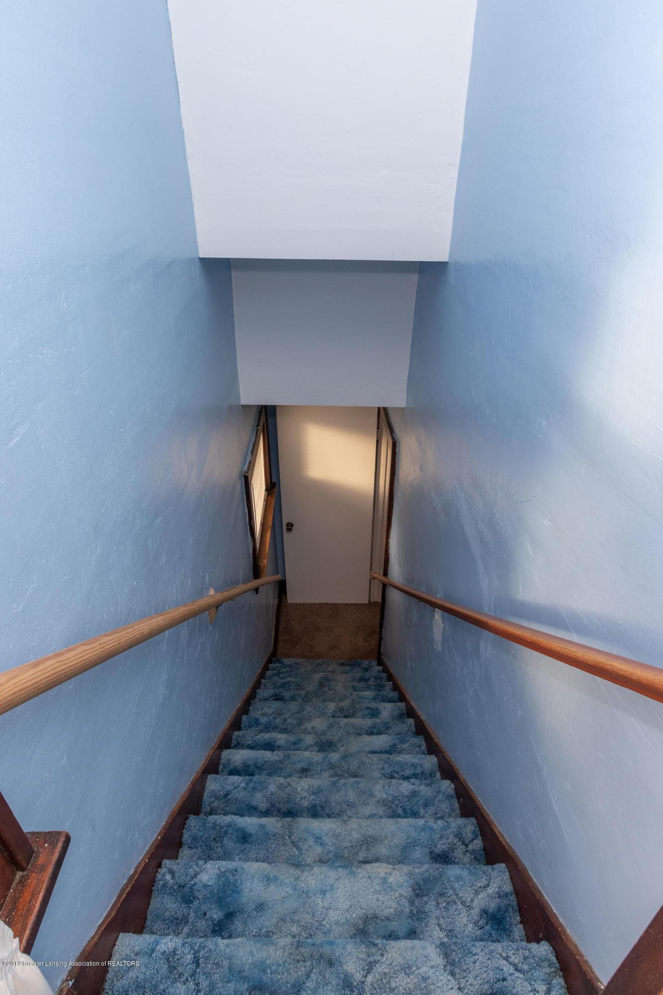 4411 Keller Rd - Stair Well - 20
