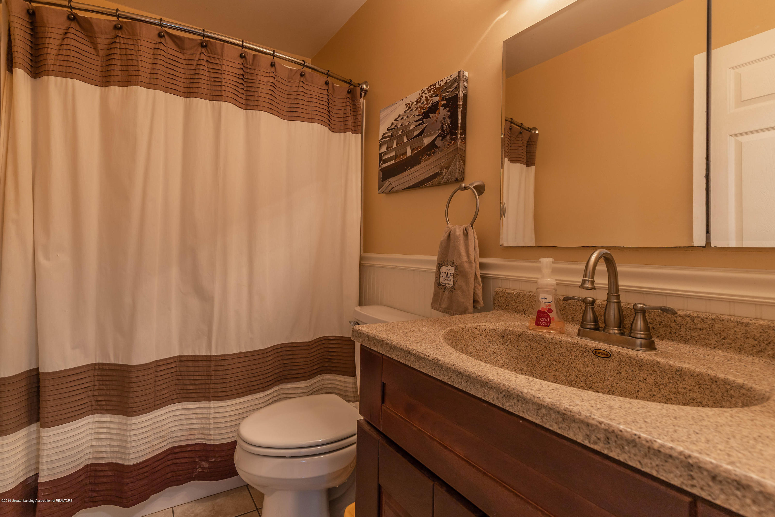 601 Cohalben St - Full Bathroom - 20