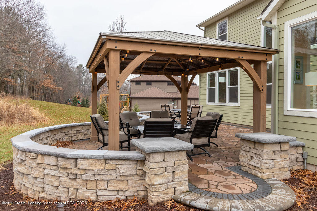 6103 Southridge Rd - outdoor space - 5