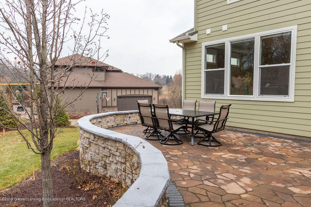 6103 Southridge Rd - stone patio - 66