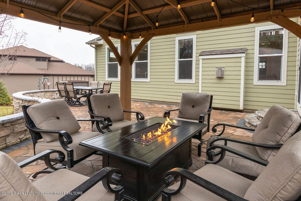 6103 Southridge Rd - outdoor entertaining space - 63