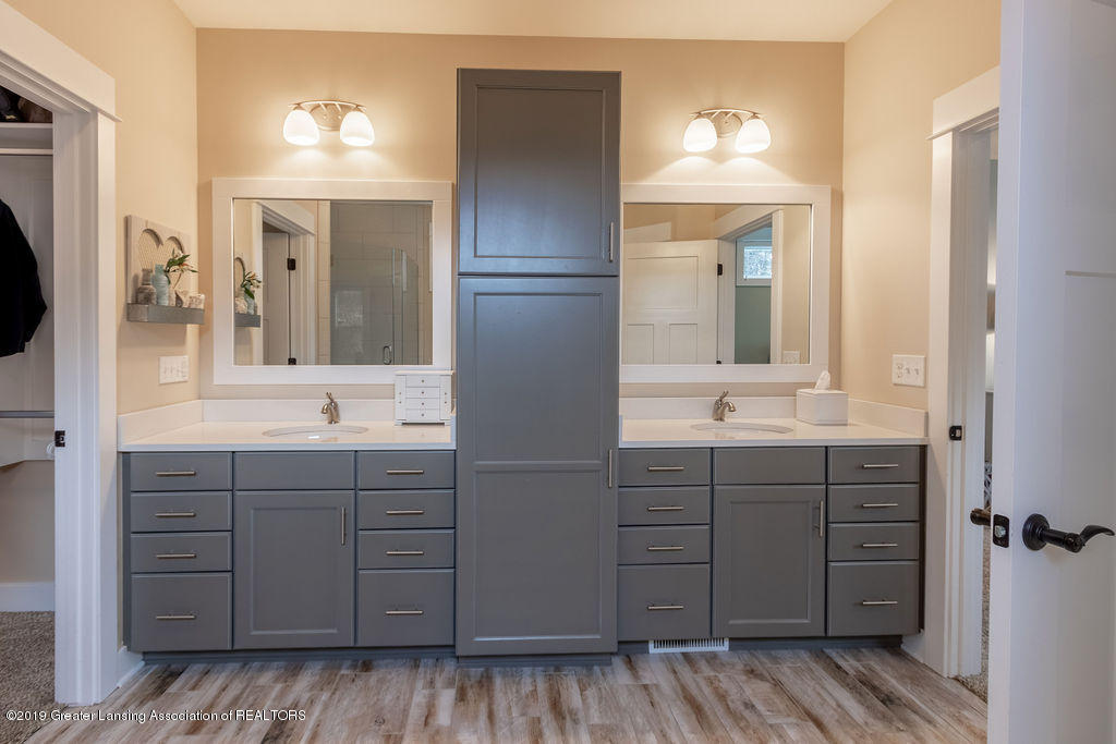 6103 Southridge Rd - master bath - 33