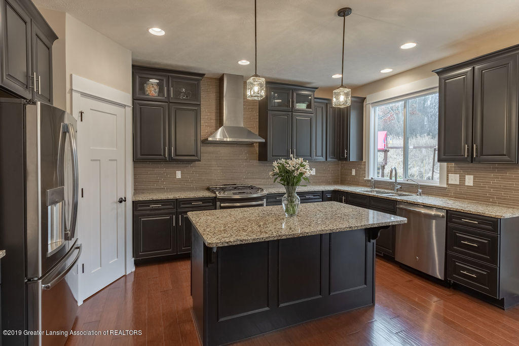 6103 Southridge Rd - kitchen - 24