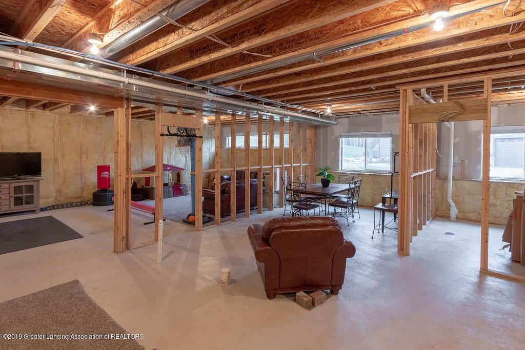 6103 Southridge Rd - basement plumbed for bath - 62