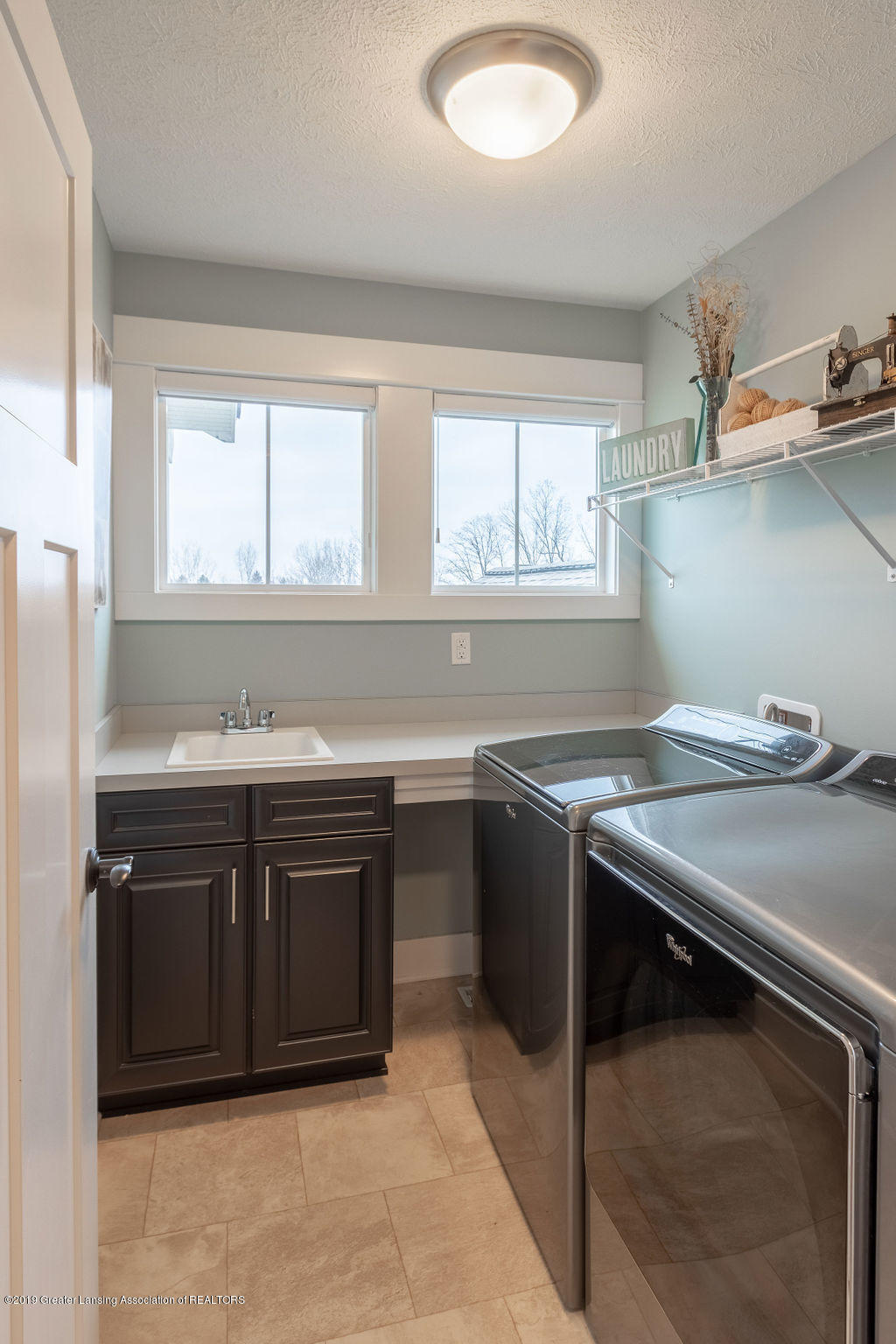 6103 Southridge Rd - upstairs second laundry - 46