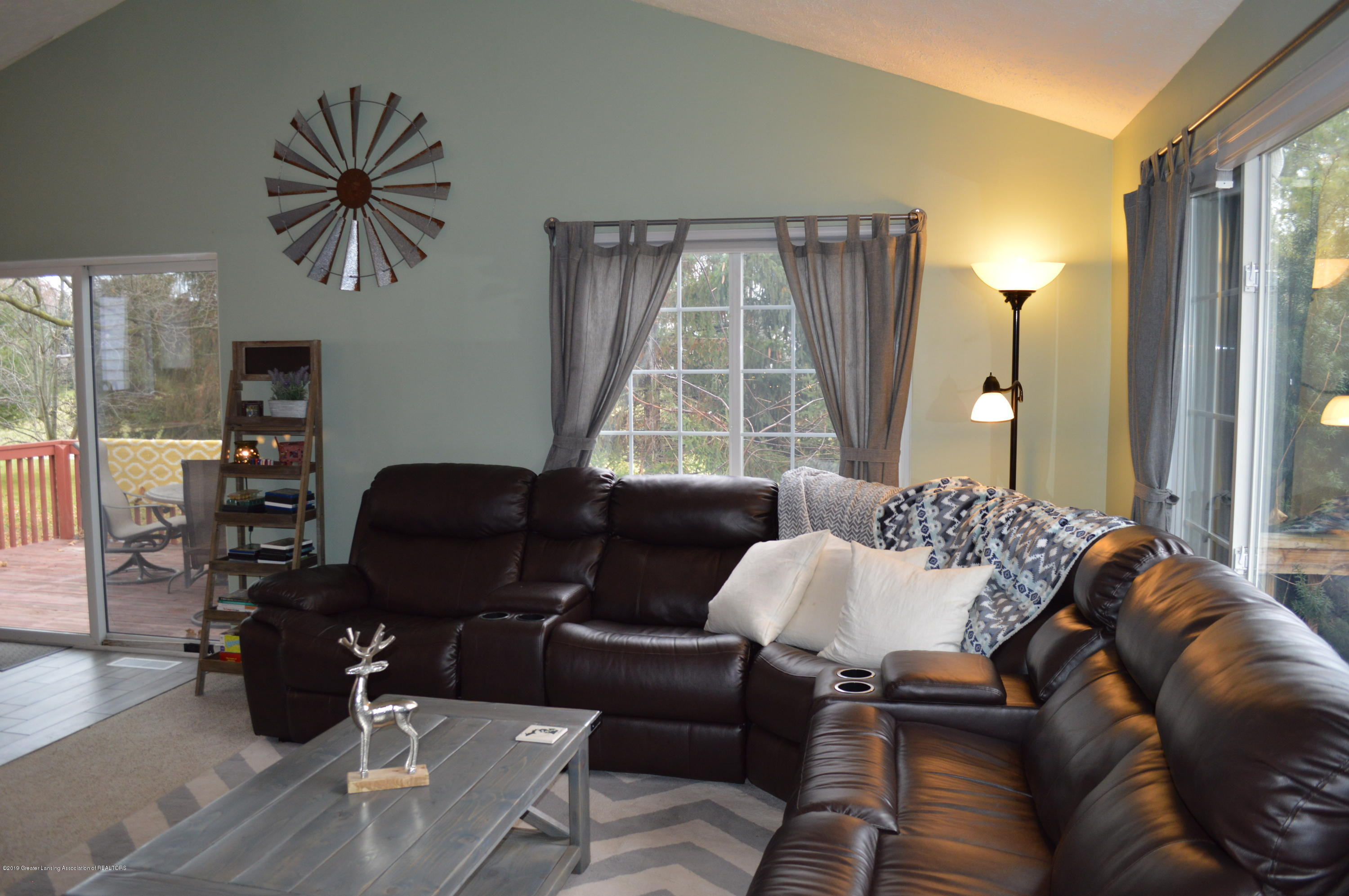 3811 Gale Rd - Living Area - 9