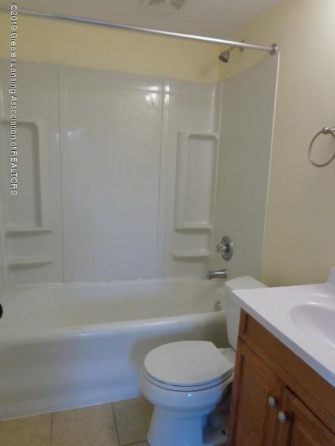 719 Comfort St - Bathroom - 14