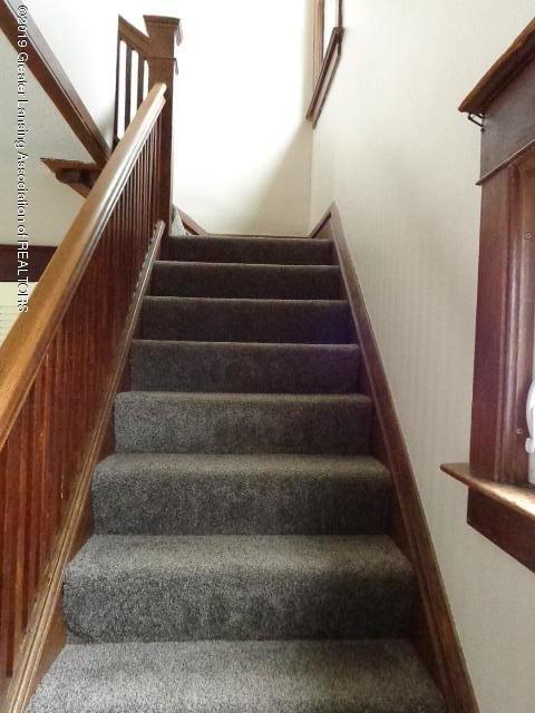 719 Comfort St - Stairs - 11