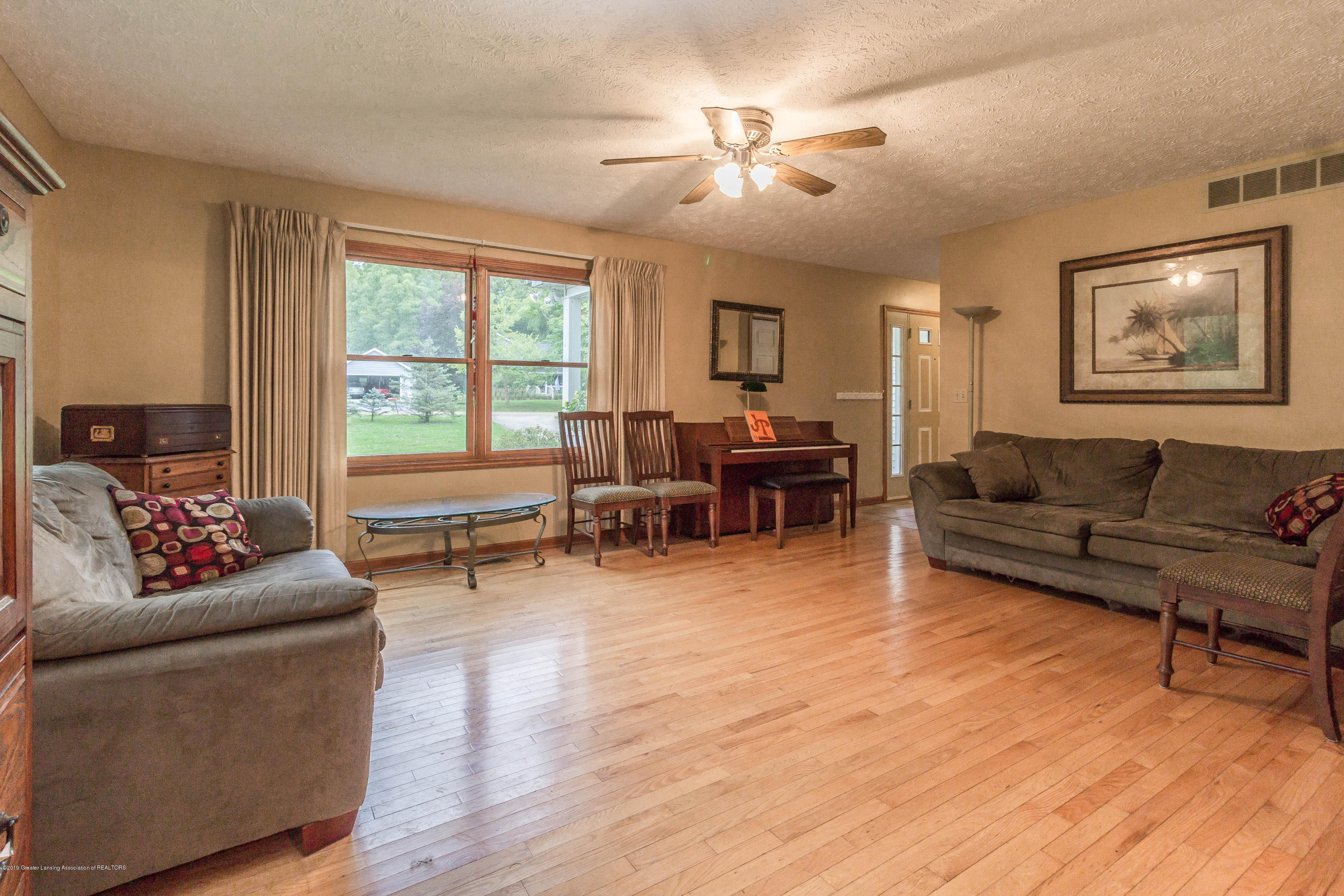 2051 Almond Rd - Family Room - 4