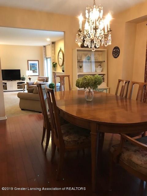 1305 Glenmeadow Ln - dining area - 4