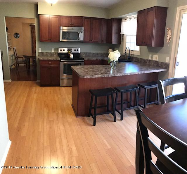 1305 Glenmeadow Ln - kitchen - 10
