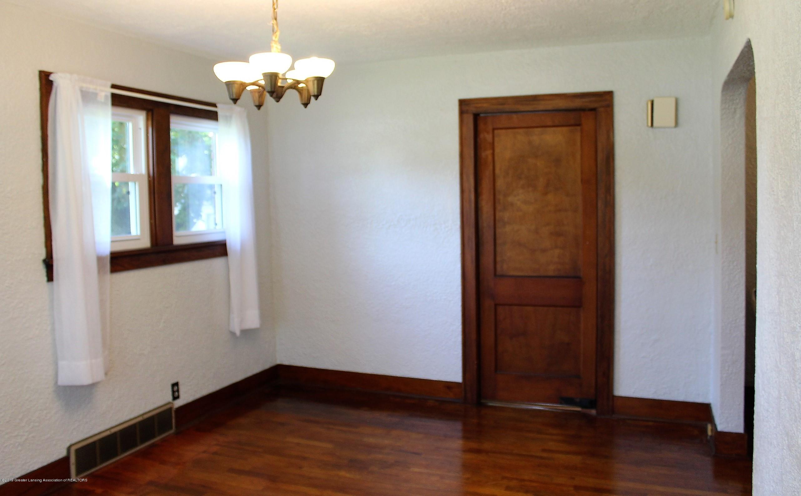 7662 E Saginaw Hwy - Dining Room - 6