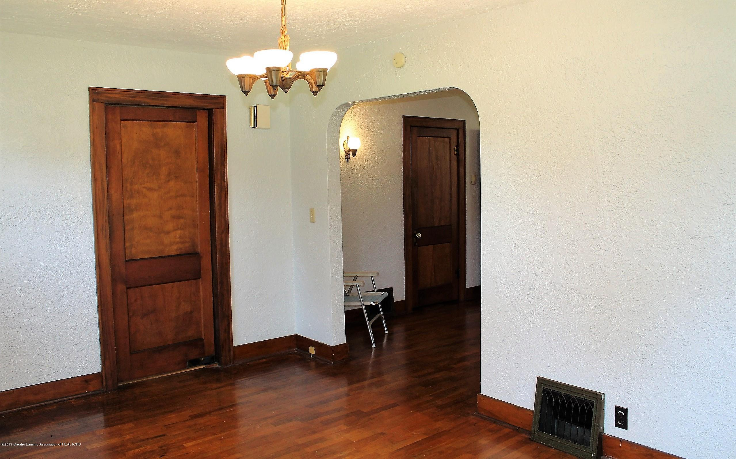 7662 E Saginaw Hwy - Dining Room - 7