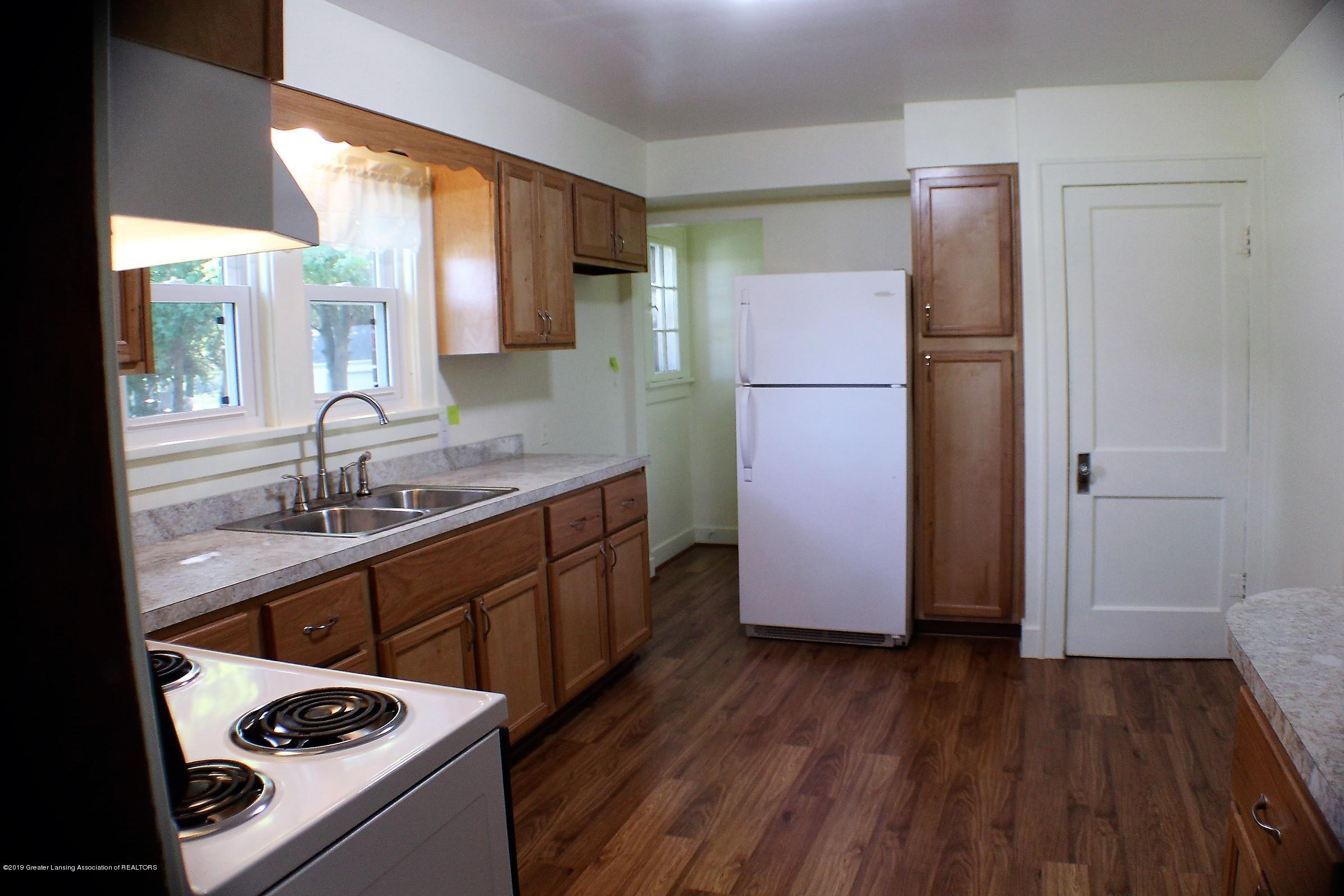 7662 E Saginaw Hwy - Kitchen - 2