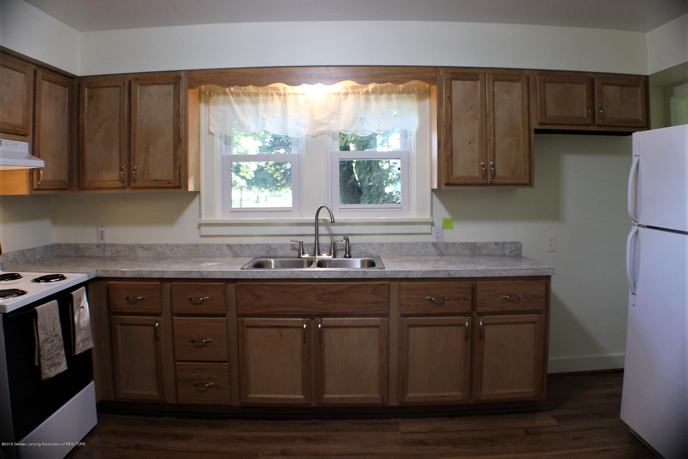 7662 E Saginaw Hwy - Kitchen - 3