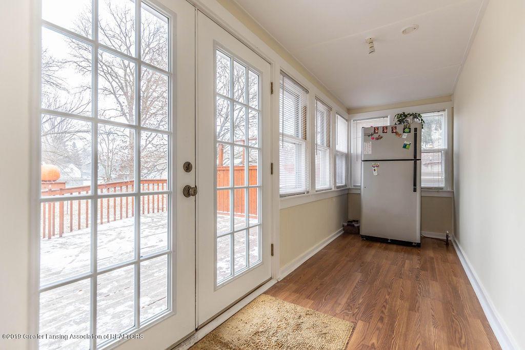 4540 E Monroe St - hall off kitchen - 8