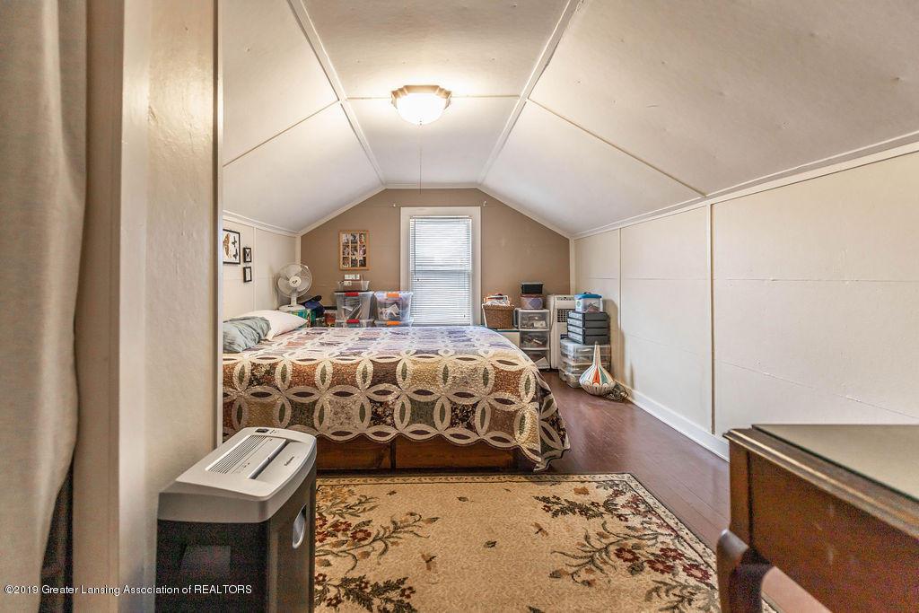 4540 E Monroe St - upper level bed room - 14