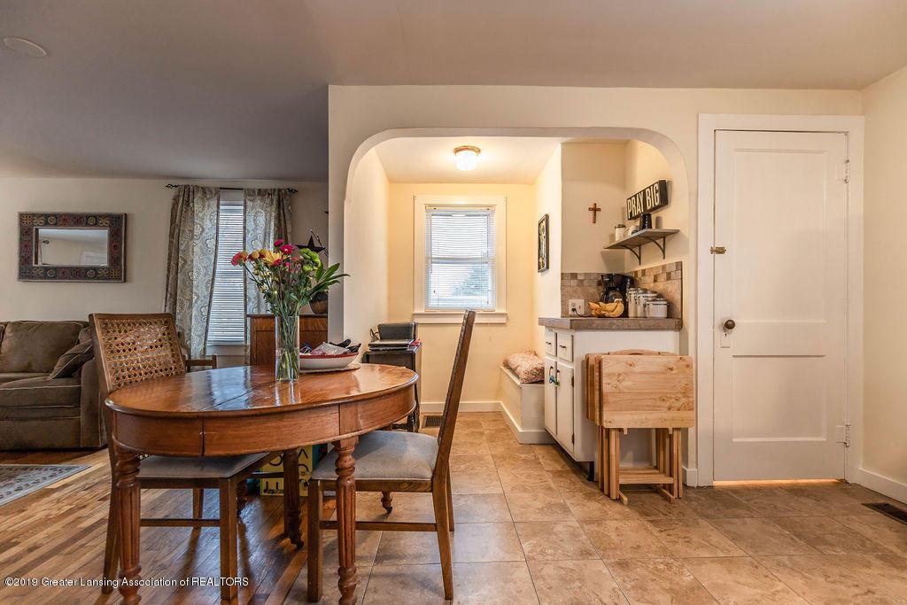 4540 E Monroe St - living/dining - 4