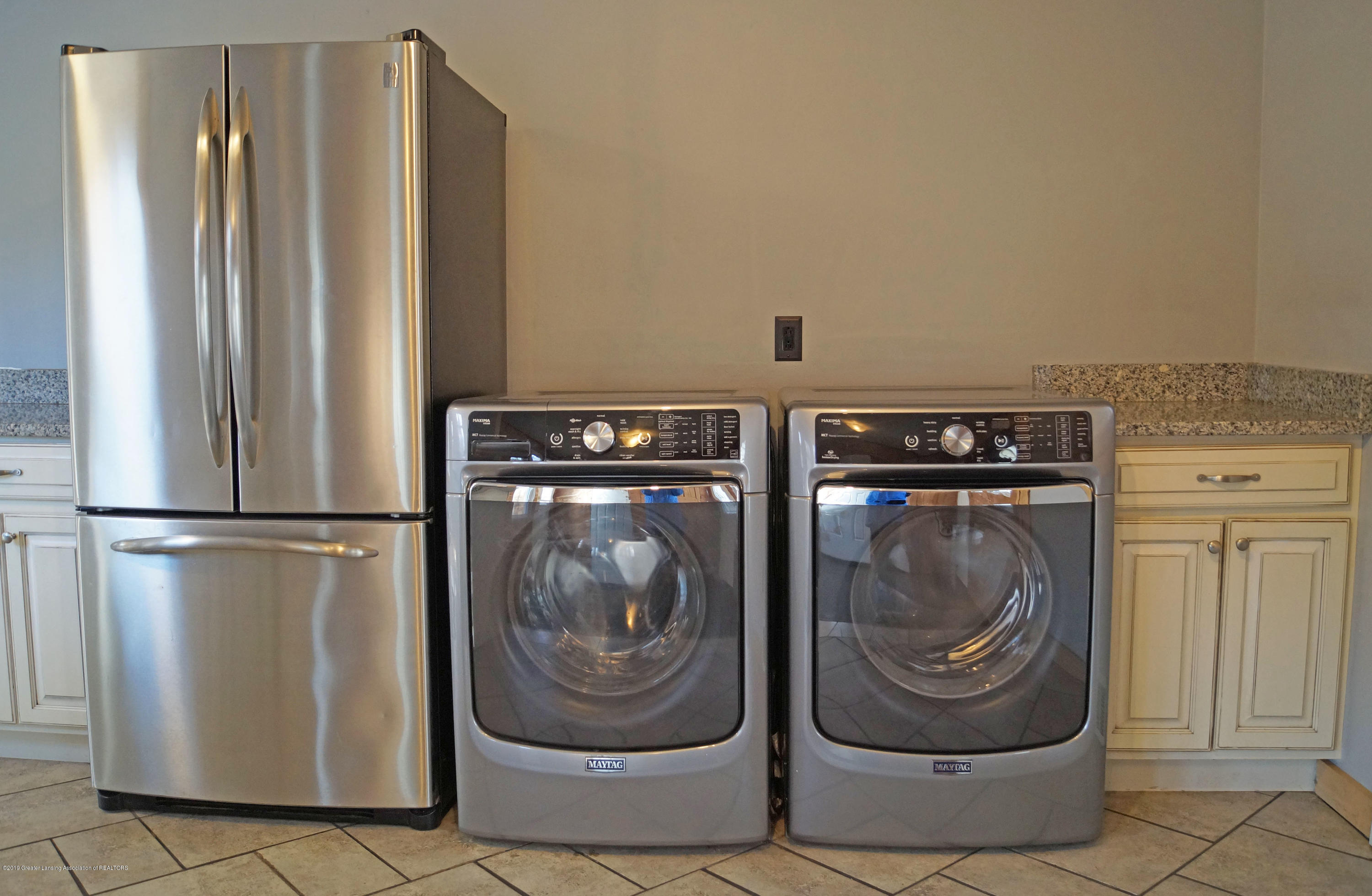 4987 Hillcrest Ave - Laundry Area - 11