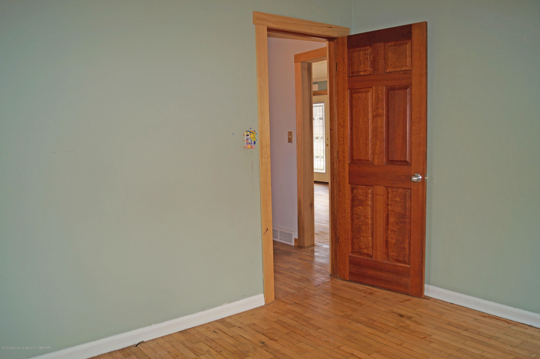 4987 Hillcrest Ave - Bedroom - 22