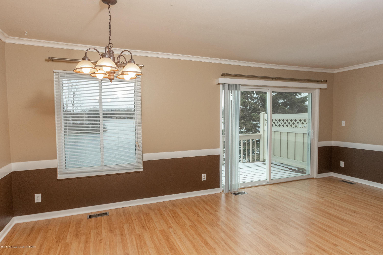 2086 Lac Du Mont Dr - Living Room - 8