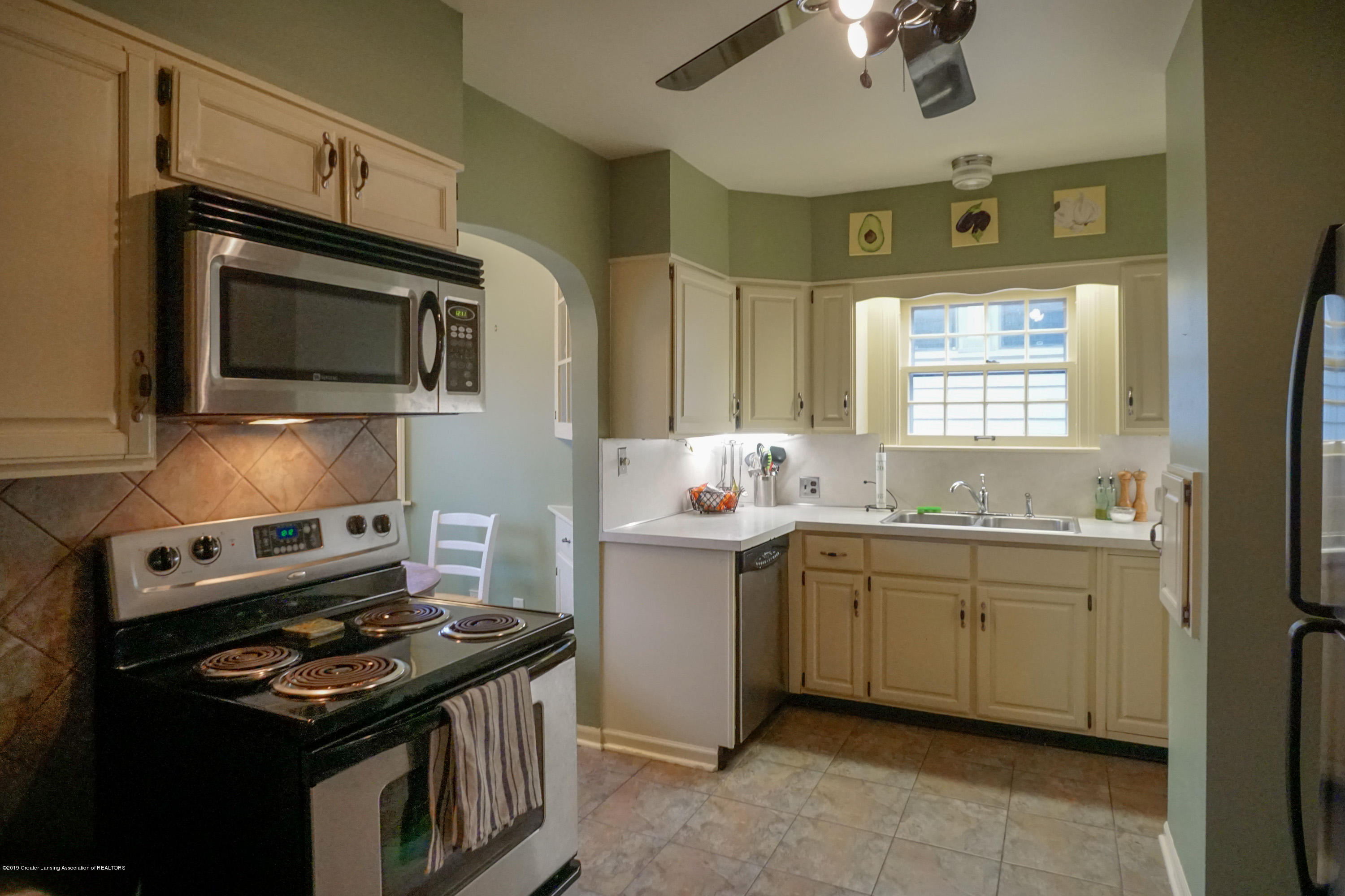 335 Kensington Rd - Kitchen - 15