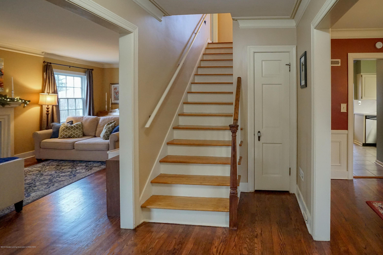 335 Kensington Rd - Stairway - 21