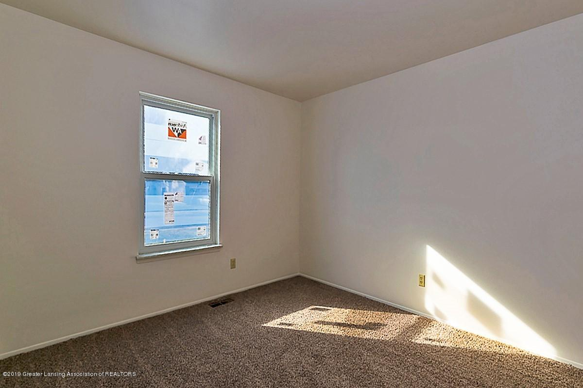 2315 Groesbeck Ave - bed view - 17