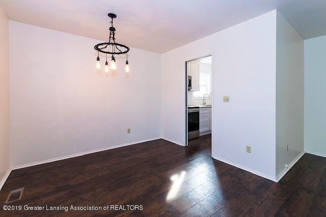 2315 Groesbeck Ave - dining light - 8