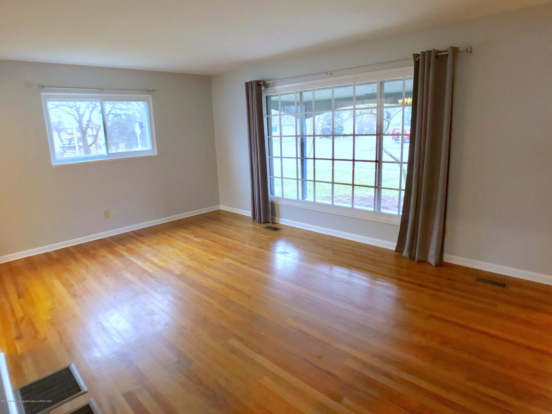 802 Blanchette Dr - Living Room - 6