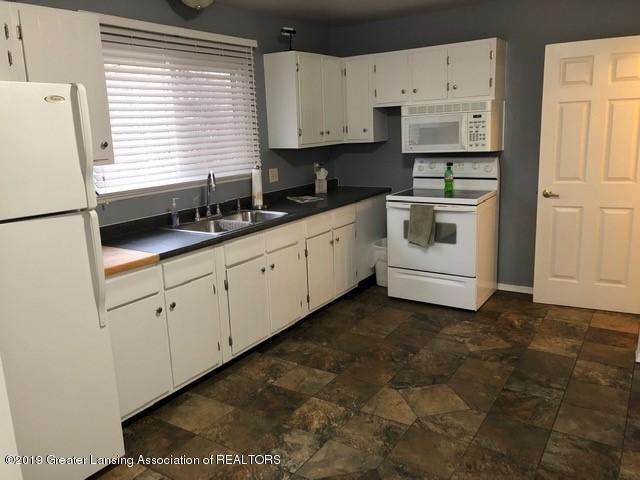 4389 Davlind Dr - Kitchen - 6