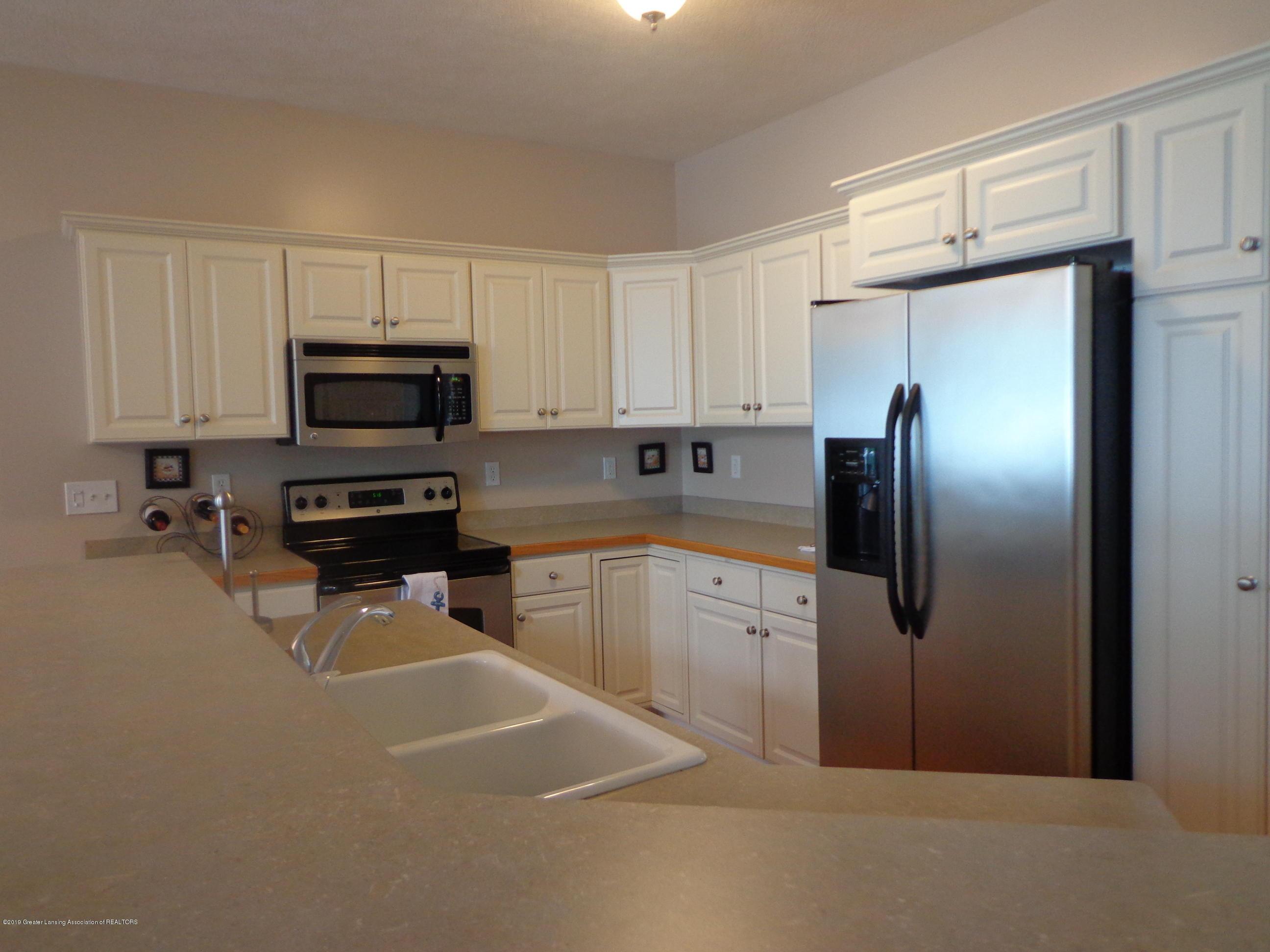 6230 Hilltop Ct 6 - kitchen - 8