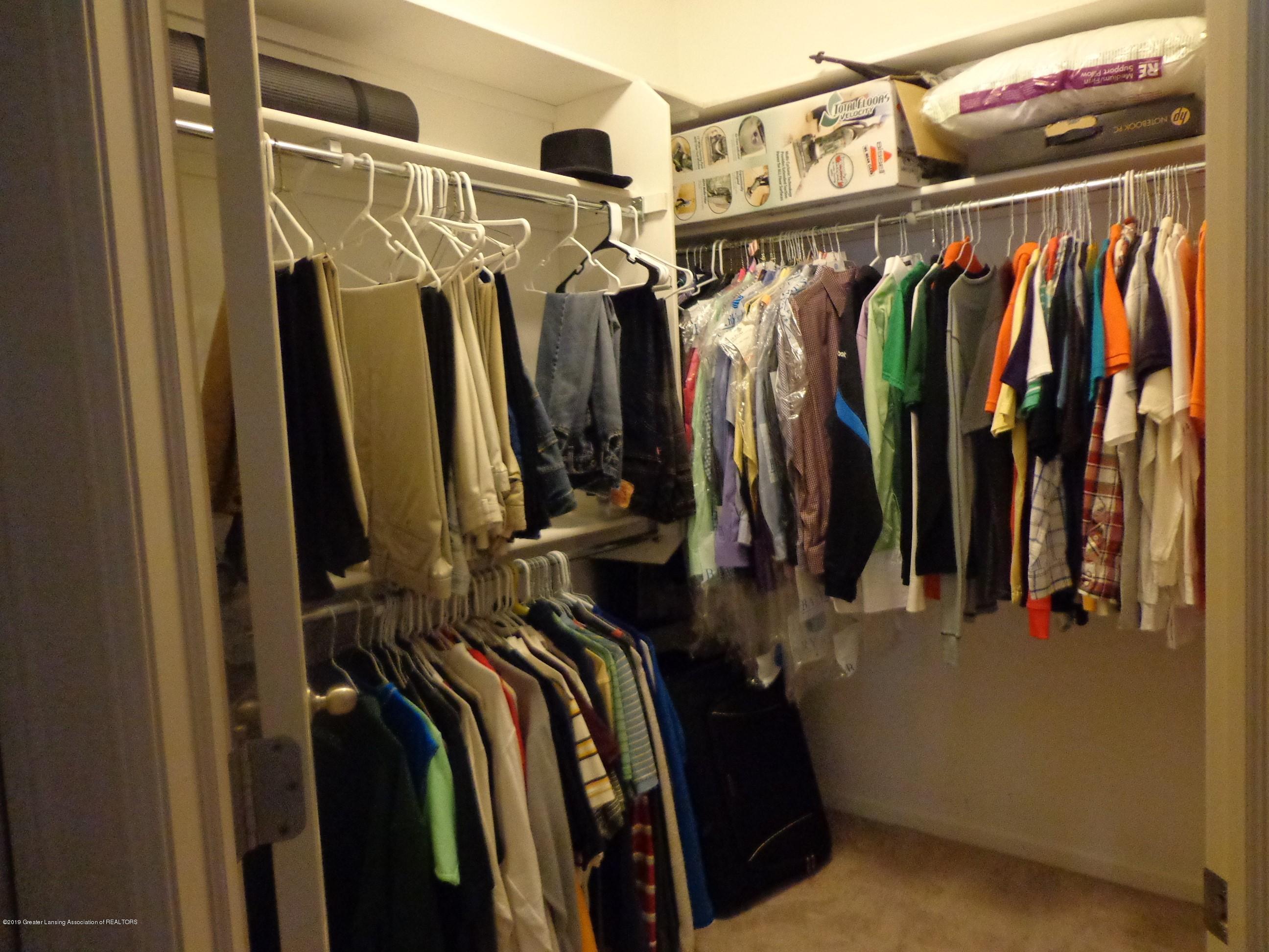 6230 Hilltop Ct 6 - walk in closet - 13