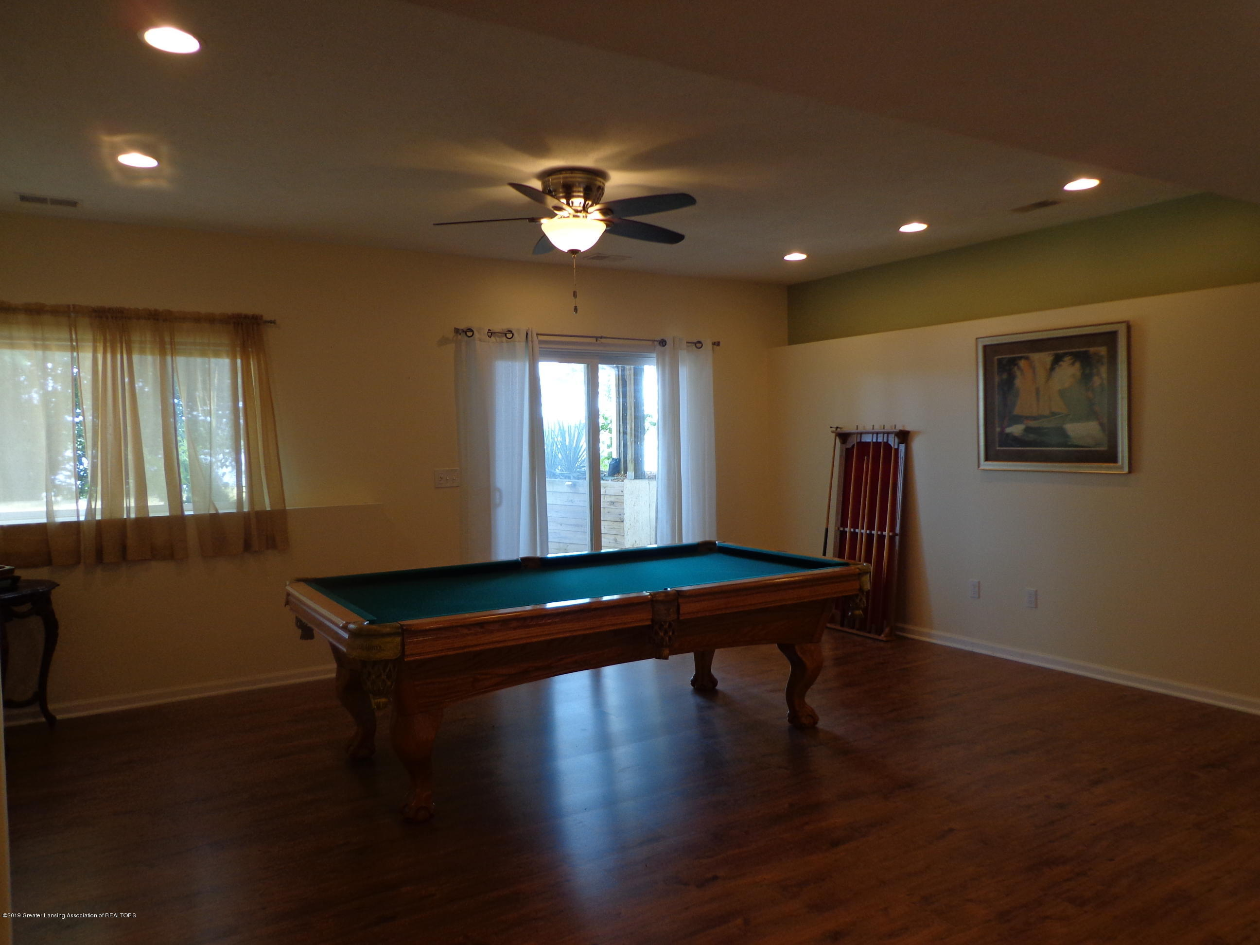 6230 Hilltop Ct 6 - walkout lower level w rec room - 18