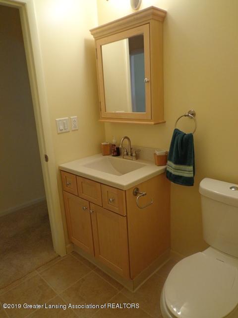 6230 Hilltop Ct 6 - lower level full bath - 20