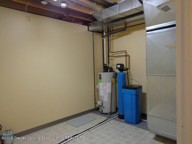 6230 Hilltop Ct 6 - utility room - 24