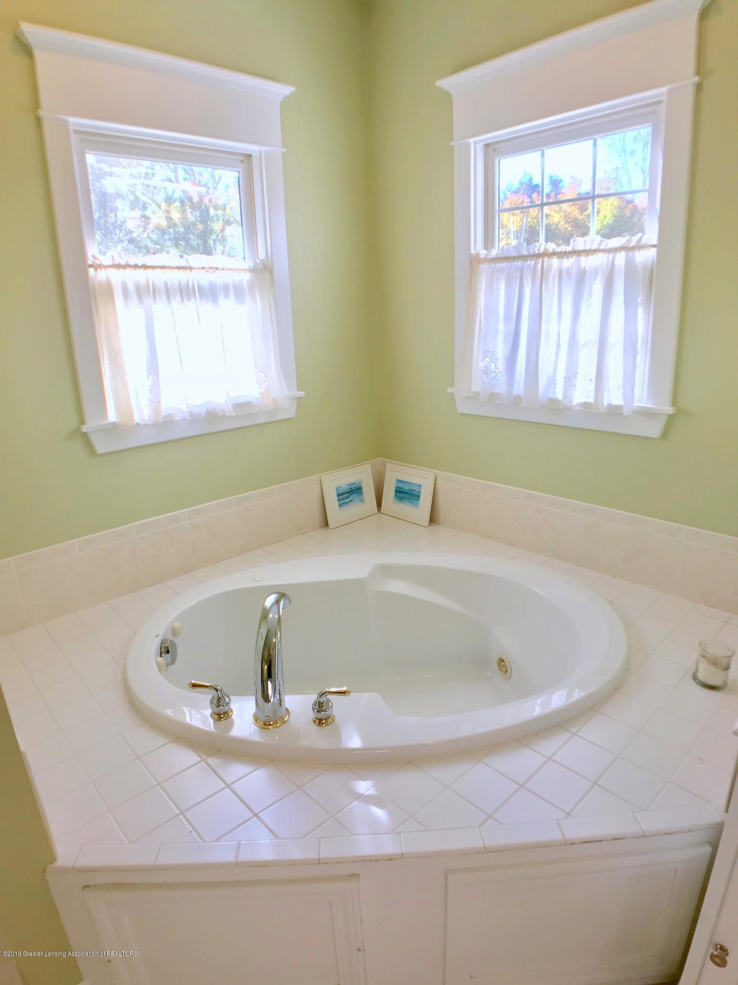 6430 Quail Ridge Ln - Master Bath - 27