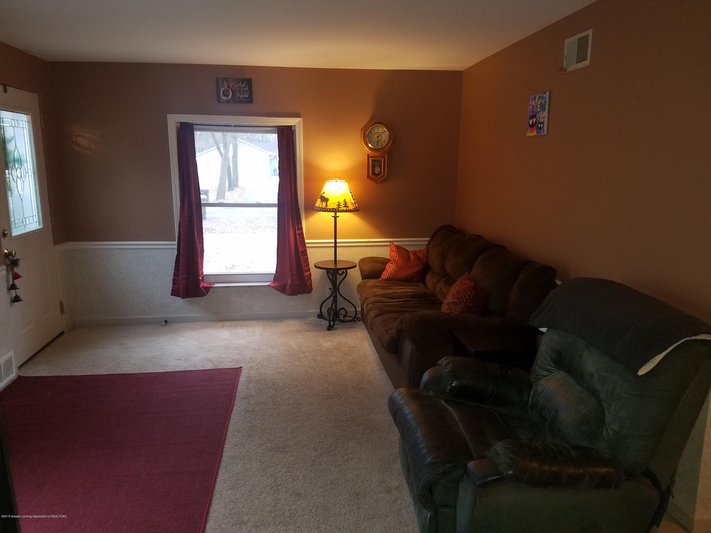 4850 Meridian Rd - living room - 10