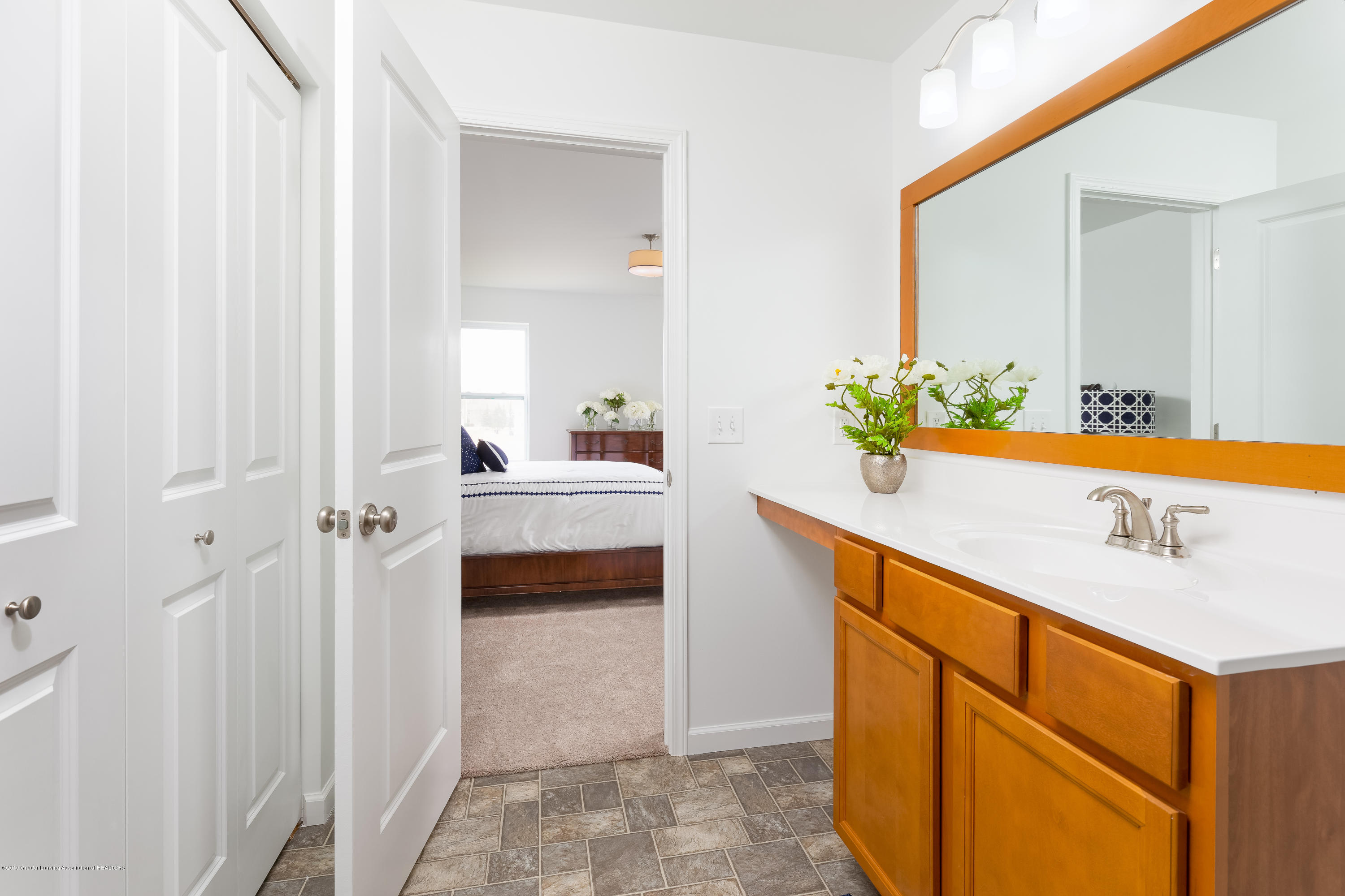 201 Ayla Drive - MasterBath TSP077-E2070-Staged-28 - 11