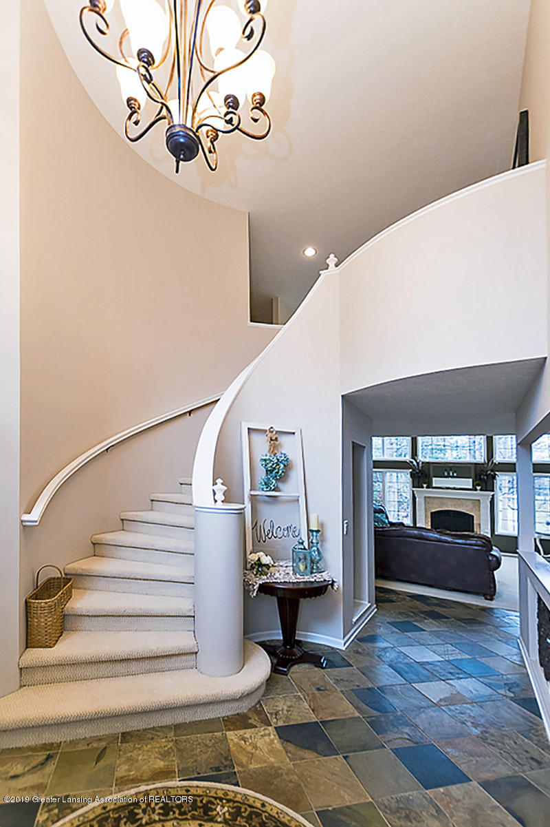 3562 Breezy Point Dr - FOYER - 2