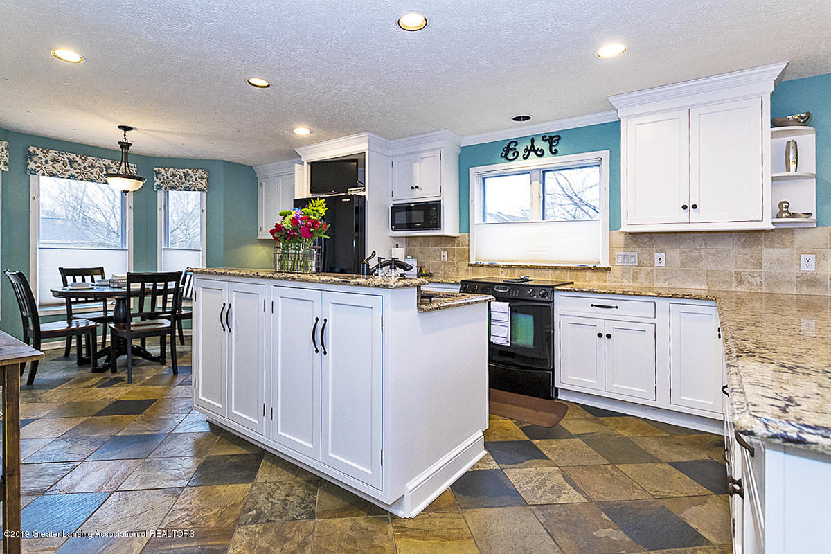 3562 Breezy Point Dr - KITCHEN - 9