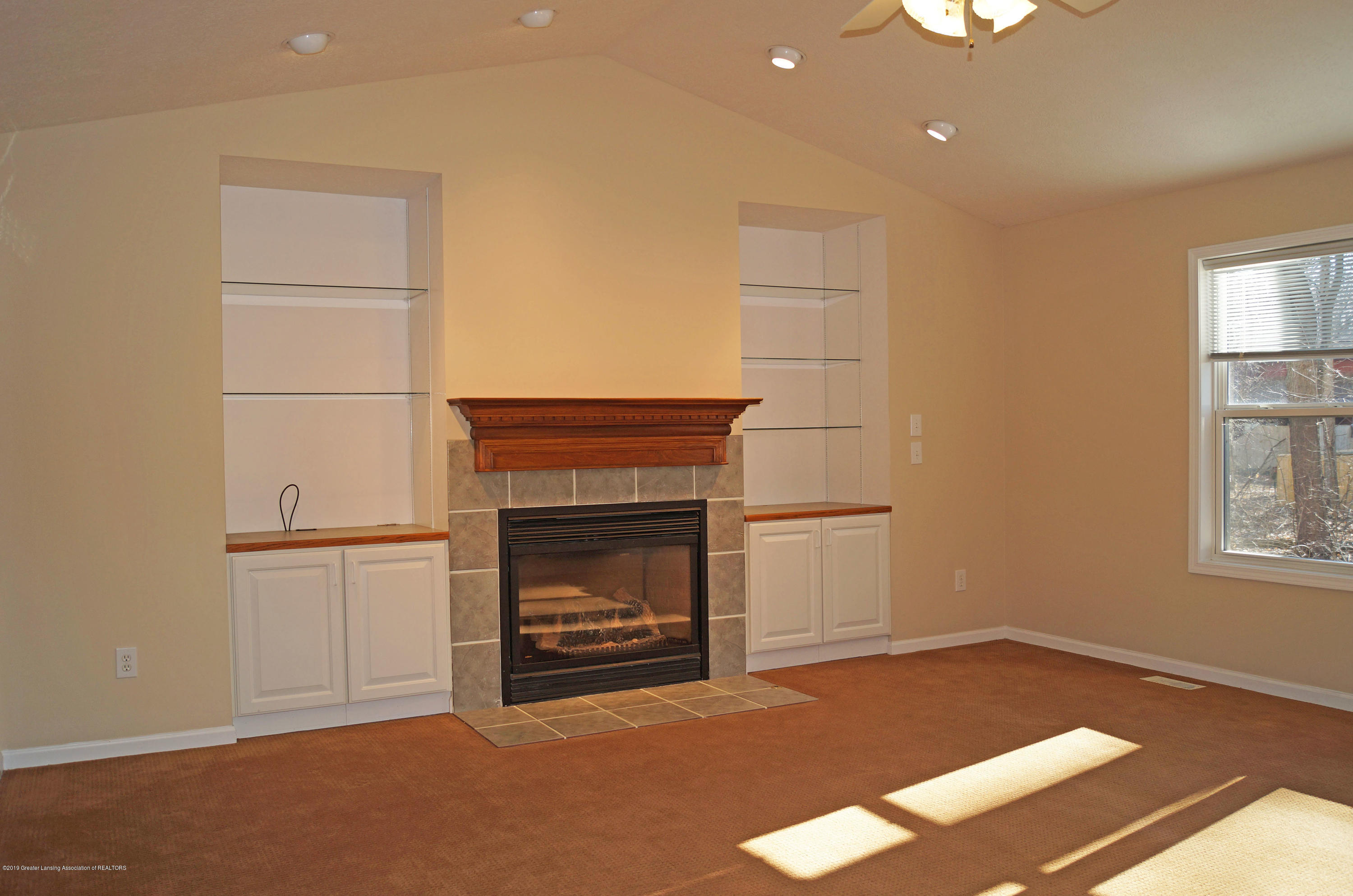 4865 Ohchi Ct - Fireplace - 15